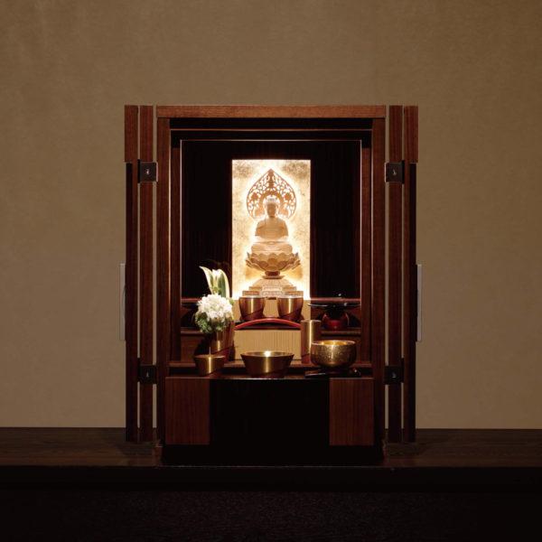 国内お仏壇メーカーの自信作「伝心シリーズ」